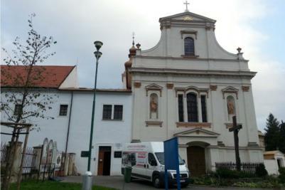 Igreja de Todos os Santos - Stamford - Piso aquecido